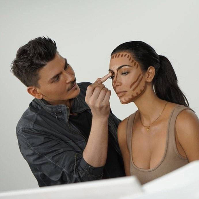 Kim, known as the fire of contouring makeup